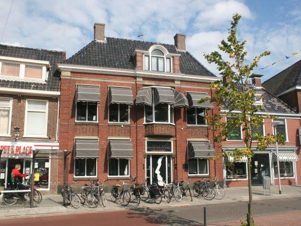 Praktijkpand Orthodontiepraktijk Leeuwarden, een gemeentelijk monument.